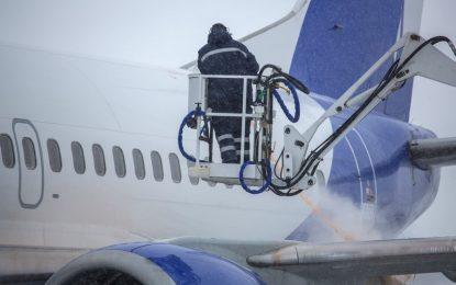 Carbon Nanotubes Prove Effective for Plane Deicing